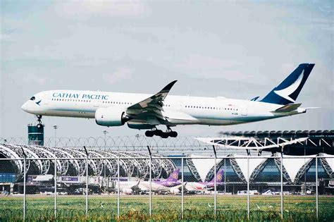 Cathay Pacific will fly A350 to Chicago, eliminating first