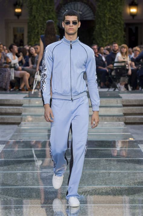 VERSACE SPRING SUMMER 2018 MEN'S COLLECTION   The Skinny Beep