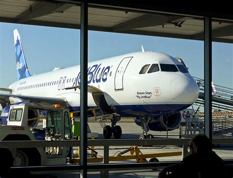 photo - Simon Says | JetBlue gives names to all of its