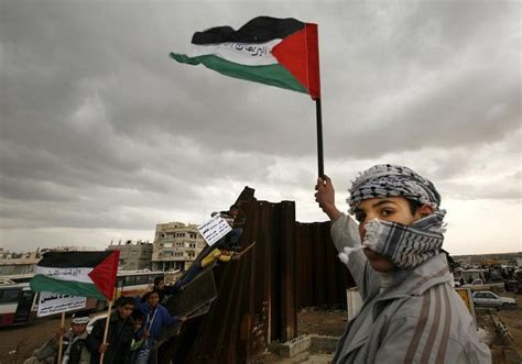 PLO officials: Hamas negotiating with Israel on