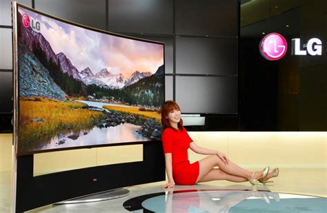 LG announces World's Biggest 105-inch, 21:9 5K Curved TV