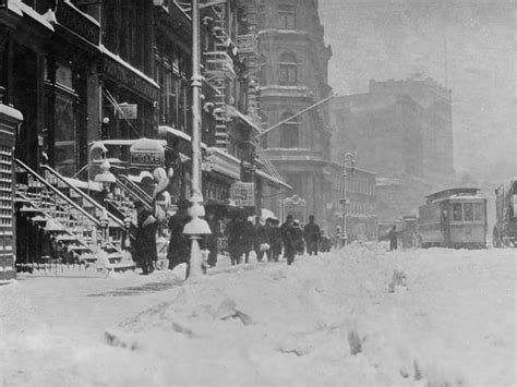 See photos of NYC in snowstorms through the decades
